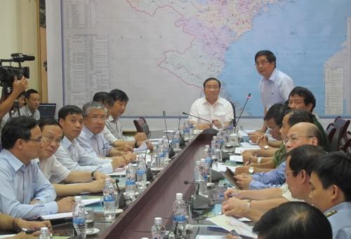 Компетентные органы Вьетнама информируют население страны о тайфуне «Mujegae» - ảnh 2