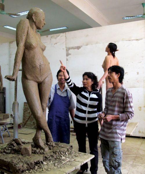 Вьетнамский институт изящных искусств обновляет себя ради международной интеграции - ảnh 1