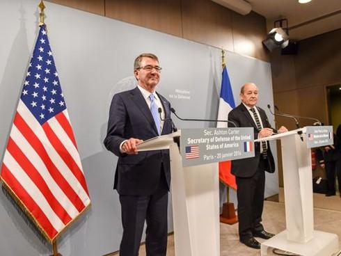 Министры обороны 7 стран обсудили в Париже борьбу с ИГ в соцсетях  - ảnh 1