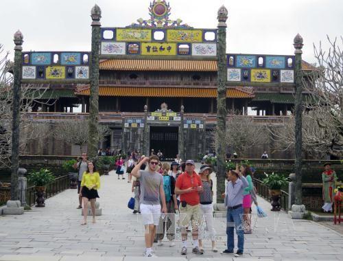 Провинция Тхыатхиен-Хюэ встретила примерно 1,5 млн. туристов - ảnh 1