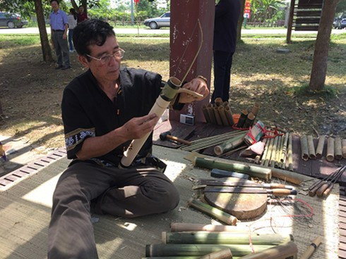Хранители традиционных музыкальных инструментов малых народностей - ảnh 2
