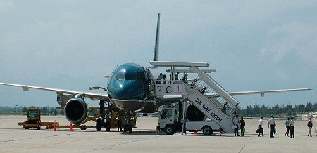 Construction of Cam Ranh airport's runway No.2 begins - ảnh 1