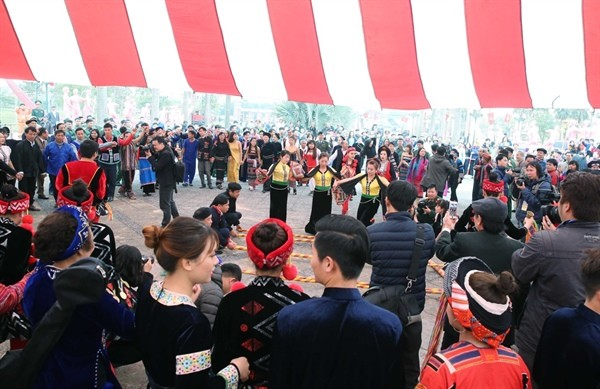 Spring festival honors ethnic culture - ảnh 3