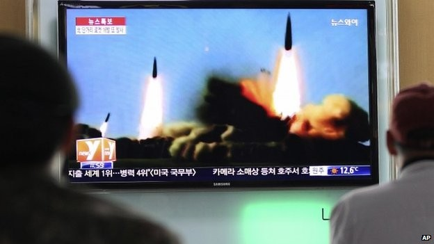 DPRK launches 2 more mid-range missiles - ảnh 1