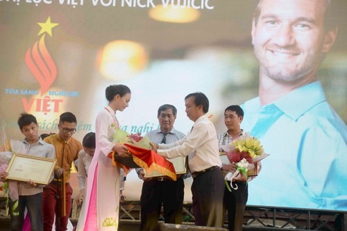 Program honors courageous disabled people - ảnh 1