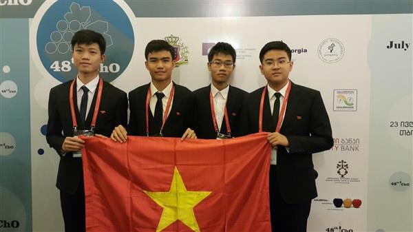 Vietnam wins 2 gold medals at 2016 International Chemistry Olympiad - ảnh 1