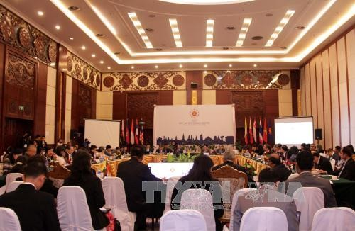 ASEAN pledges favorable conditions for trade activities - ảnh 1