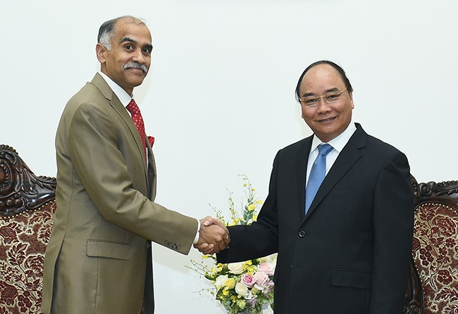 Prime Minister Nguyen Xuan Phuc receives new Indian Ambassador - ảnh 1