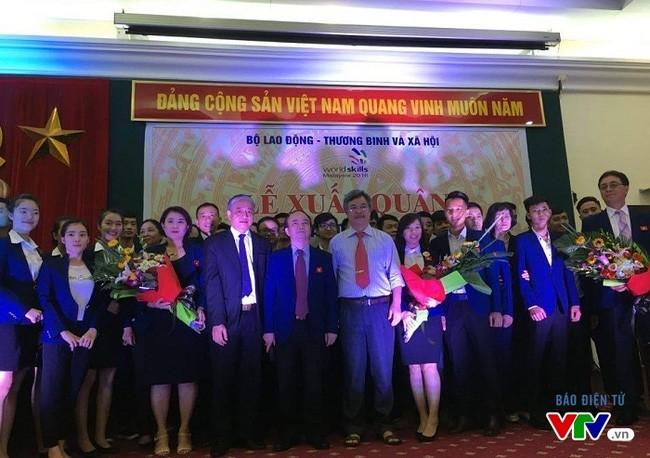 越南代表团出征第11届东盟职业技能大赛 - ảnh 1