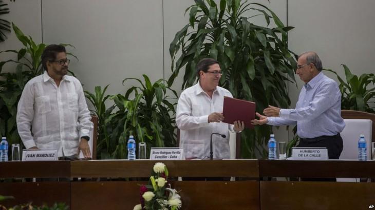 Colombia, FARC publish peace accord - ảnh 1