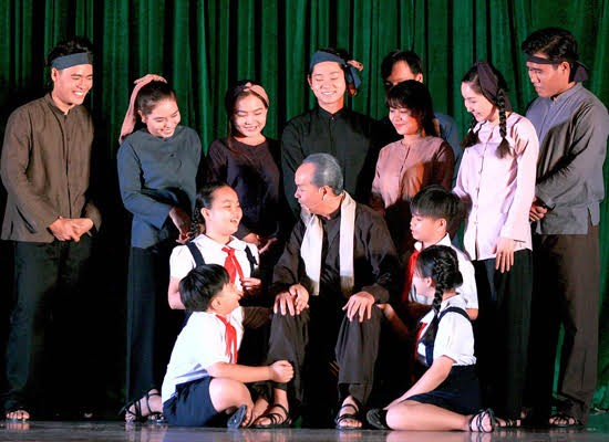 """Dấu xưa"" (The Leader) – a historical play about President Ho Chi Minh - ảnh 1"
