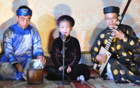 Folk music festival entices Hanoi audiences - ảnh 1