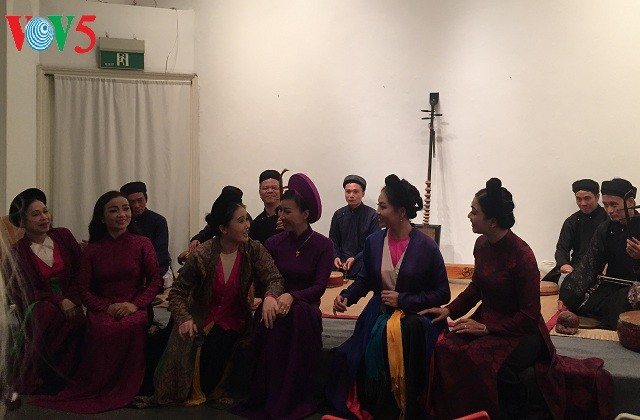 Goethe-Institute concert combines German poems, Vietnamese folk music - ảnh 2