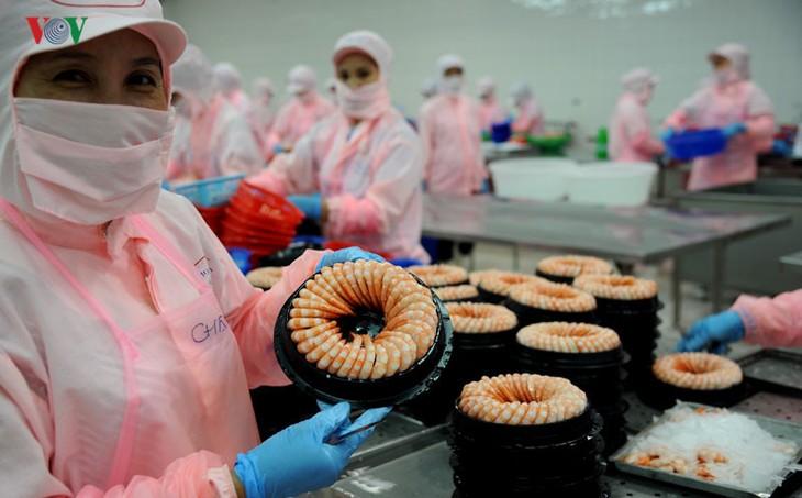 Exportaciones vietnamitas suman 13 mil 700 millones de dólares - ảnh 1