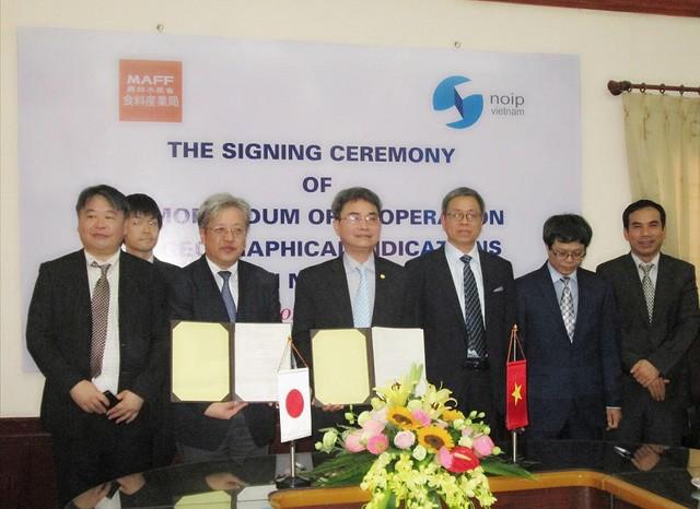 Vietnam y Japón firman importantes acuerdos de cooperación  - ảnh 1