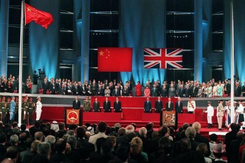 Vietnam felicita a China por el aniversario de la recuperación de Hong Kong  - ảnh 1