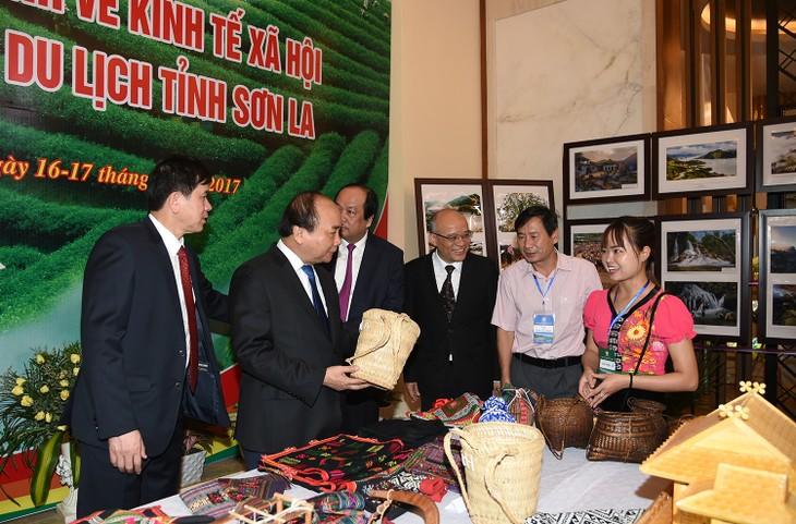 Primer ministro de Vietnam asiste a la Conferencia de Promoción Inversionista de Son La - ảnh 1