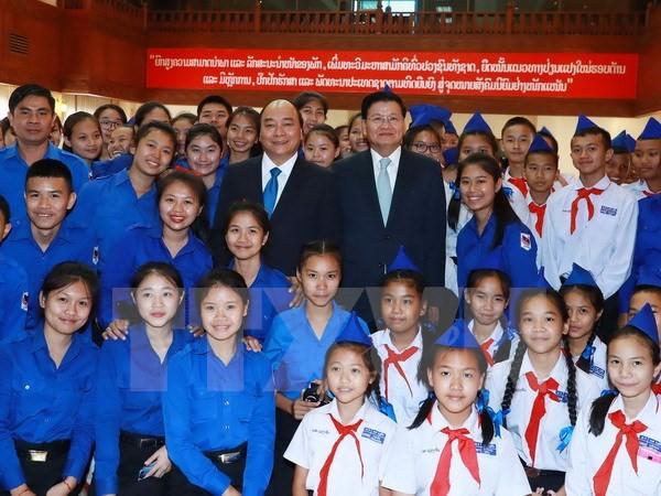 La amistad especial Vietnam-Laos: más de la mitad del siglo en desarrollo - ảnh 1
