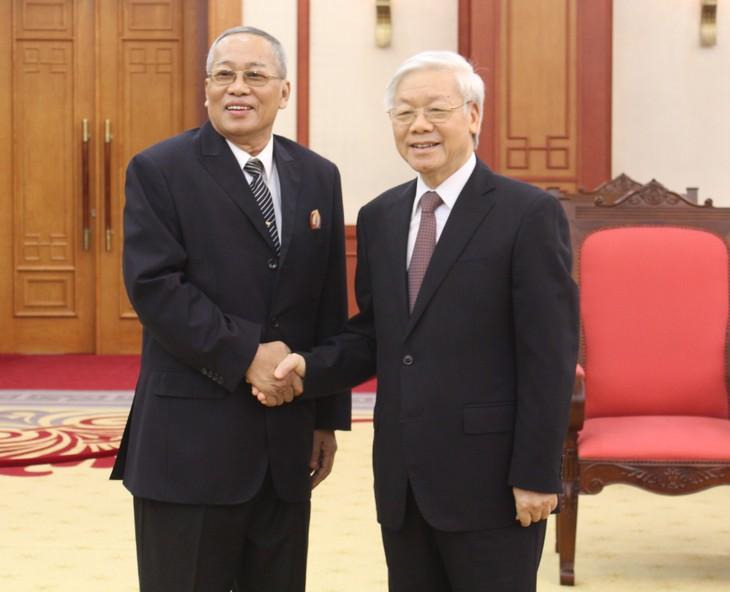 Líder partidista vietnamita recibe al primer vicepresidente del Senado camboyano - ảnh 1