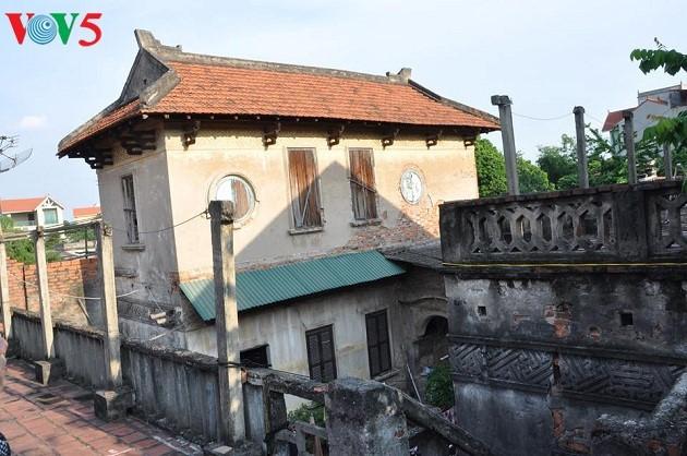 La arquitectura franco-vietnamita de la antigua aldea de Cu Da  - ảnh 2