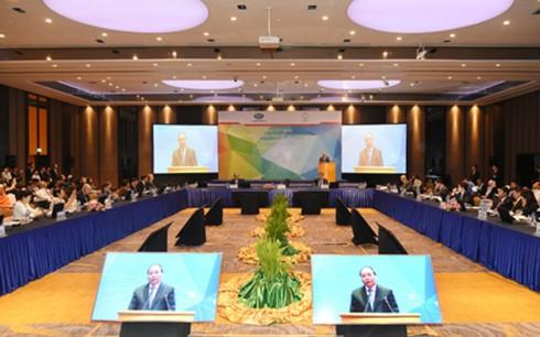Asiste el premier vietnamita a la XXIV Conferencia Ministerial del APEC sobre las PYMES - ảnh 1