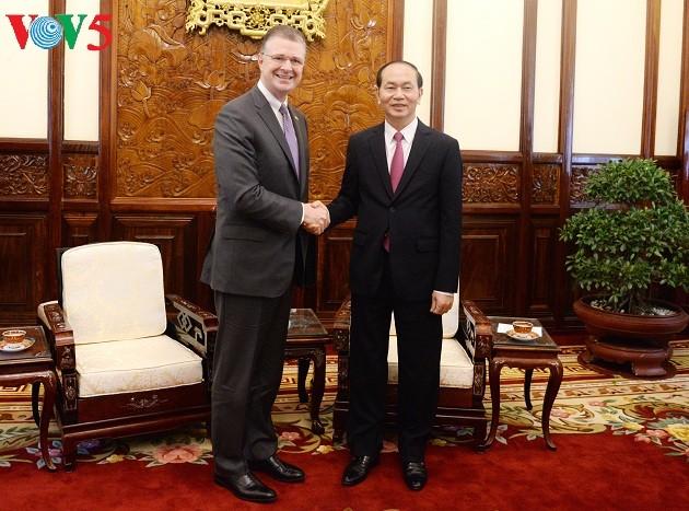El presidente vietnamita recibe a los embajadores nigeriano, griego y estadounidense - ảnh 1