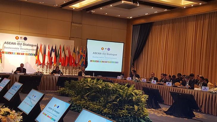 Vietnam asiste al Diálogo Asean-UE sobre el Desarrollo Sostenible - ảnh 1