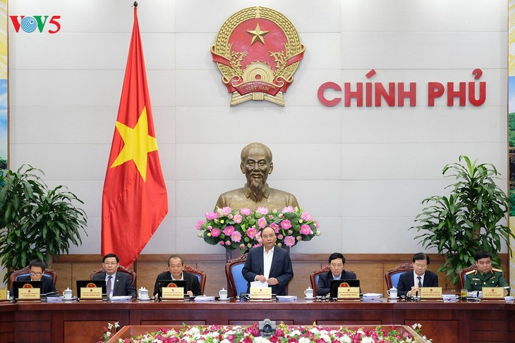 Inauguran la reunión ordinaria del Gobierno del mes de noviembre  - ảnh 1