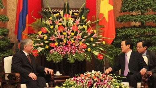 Staatspräsident Truong Tan Sang empfängt den armenischen Außenminister - ảnh 1