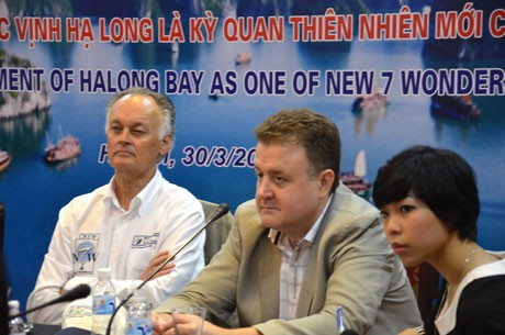 Die Ha Long-Bucht als eines der sieben neuen Weltnaturwunder  - ảnh 1