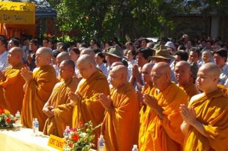 Fest zum Geburstag Buddhas findet am Samstag statt - ảnh 1