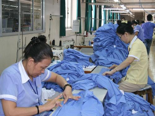 Verbesserung des Lebens der Arbeiter in Industriezonen - ảnh 1