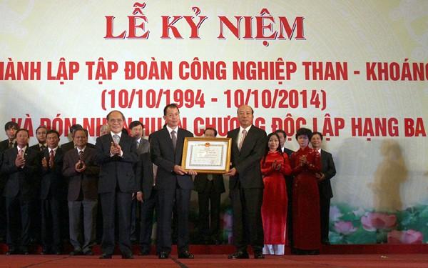 20. Gründungstag des Industriekonzerns für Kohle- und Bodenschätze Vietnams - ảnh 1