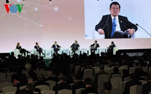 Staatspräsident Truong Tan Sang zu Gast beim APEC-Gipfeltreffen für Unternehmen - ảnh 1