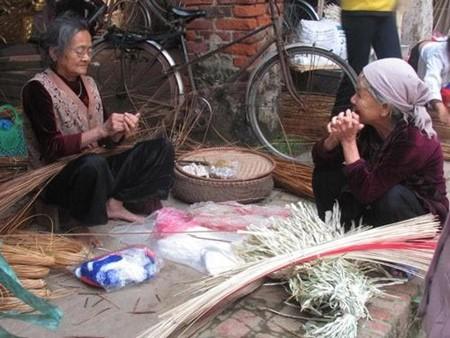 Schönheit der Strohhüte des Dorfes Chuong - ảnh 5