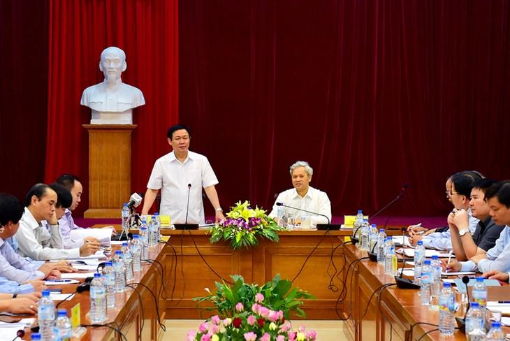 Vizepremierminister Vuong Dinh Hue tagt mit Generaldirektion für Statistik - ảnh 1