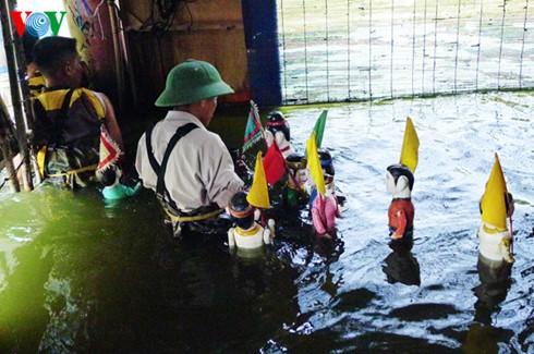 Einzigartiges und attraktives Wasserpuppentheater im Dorf Nguyen - ảnh 1