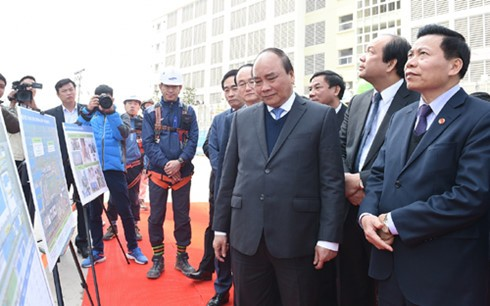 Premierminister Nguyen Xuan Phuc besucht einige Produktionsstätten in Bac Ninh - ảnh 1