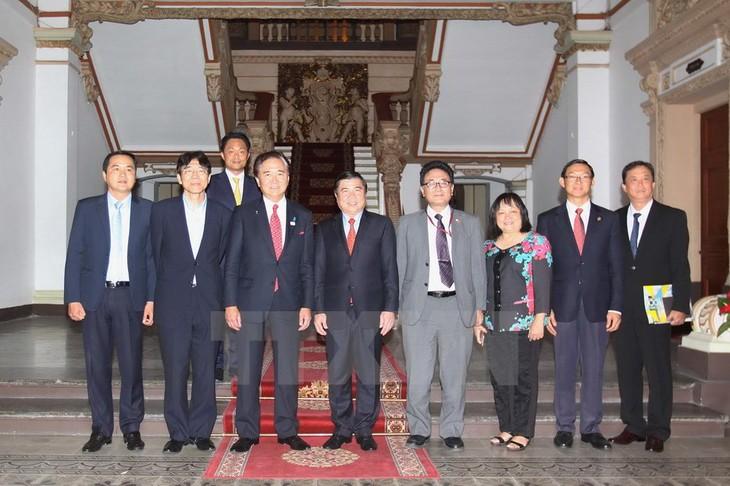 Ho Chi Minh Stadt und japanische Präfektur Kanagawa wollen Zusammenarbeit vorantreiben - ảnh 1