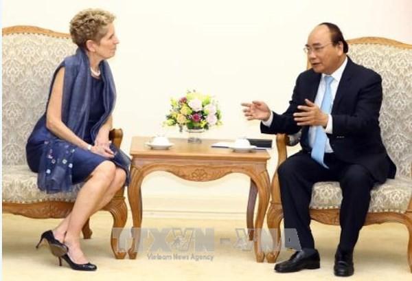 Premierminister Nguyen Xuan Phuc hofft auf Investitionen kanadischer Unternehmen in Vietnam - ảnh 1
