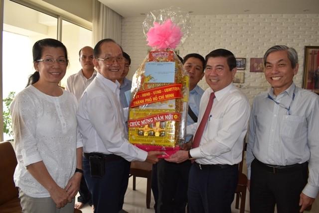 Neujahr: Ho Chi Minh Stadt gab zirka 52 Millionen Euro für Stadtbewohner aus - ảnh 1