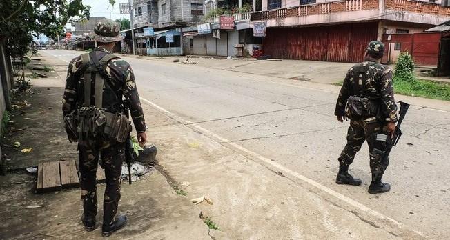 ປະທານາທິບໍດິຟິລິບປີນຮຽກຮ້ອງເຈລະຈາກັບກຸ່ມພວກກະບົດຢູ່ Marawi - ảnh 1