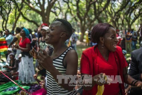 ປະທານາທິບໍດີ Zimbabwe ລາອອກຈາກຕຳແໜ່ງ - ảnh 1