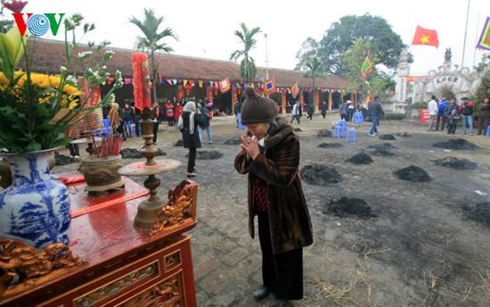 Reiskochwettbewerb im Dorf Thi Cam  - ảnh 11