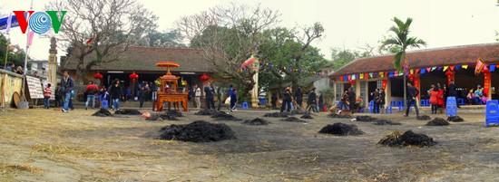 Reiskochwettbewerb im Dorf Thi Cam  - ảnh 12