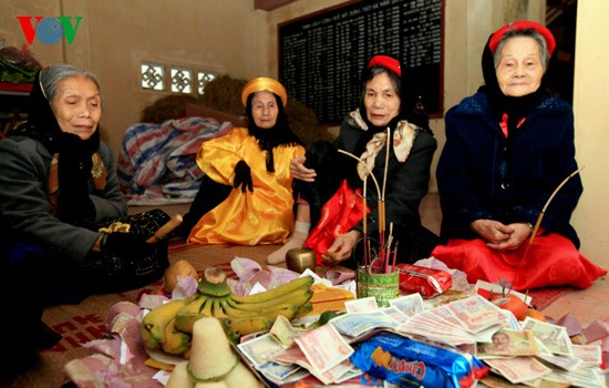 Reiskochwettbewerb im Dorf Thi Cam  - ảnh 2