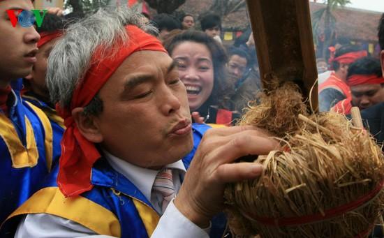 Reiskochwettbewerb im Dorf Thi Cam  - ảnh 4