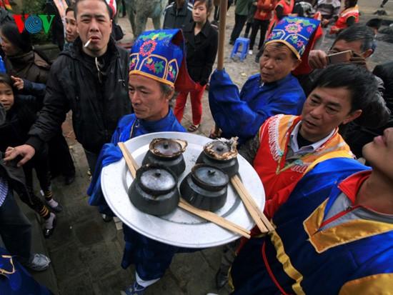 Reiskochwettbewerb im Dorf Thi Cam  - ảnh 7