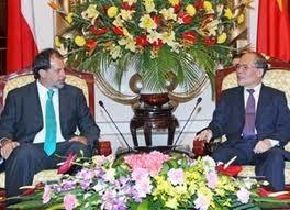 Staatspräsident und Parlamentspräsident treffen Senatspräsident aus Chile - ảnh 1