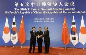 China, Japan und Südkorea diskutieren über die Lage in der Region - ảnh 1